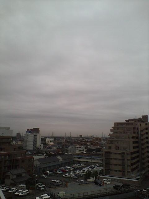 雨が落ちてきそう(^-^)