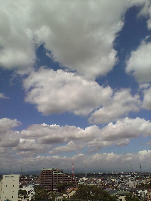 雲いっぱい(^-^)