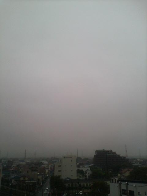 雨雲いっぱいの朝(>_<)