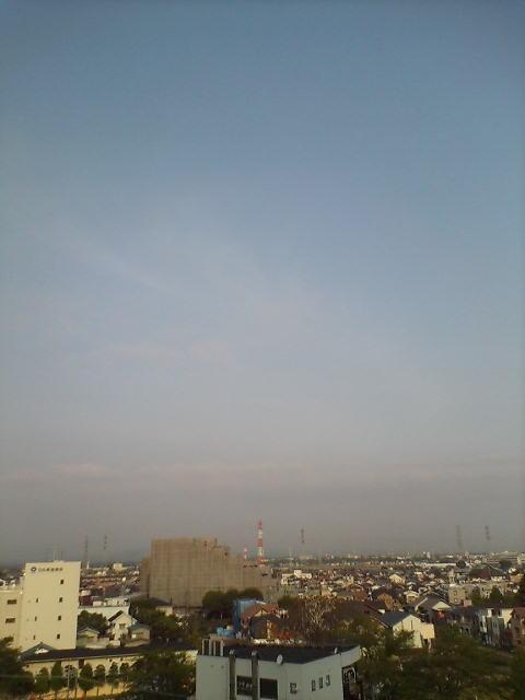 霞雲の朝空