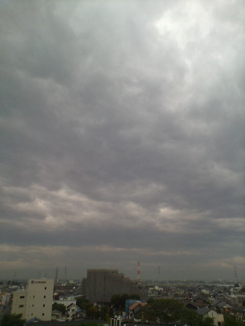 雨予報の空