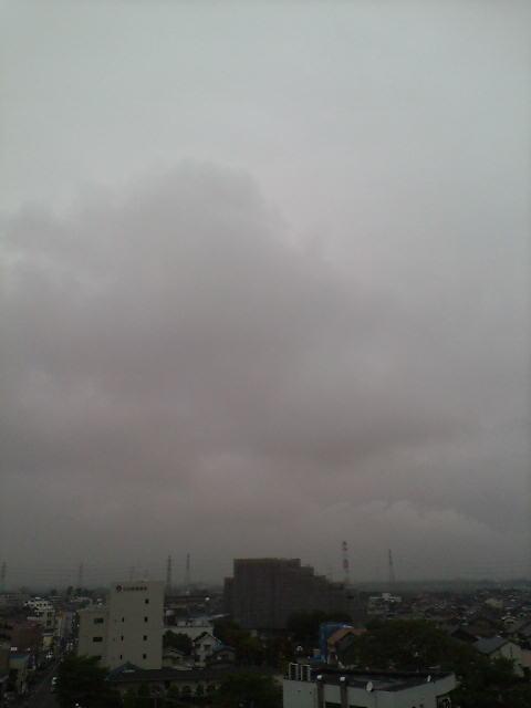 雨の匂いの朝